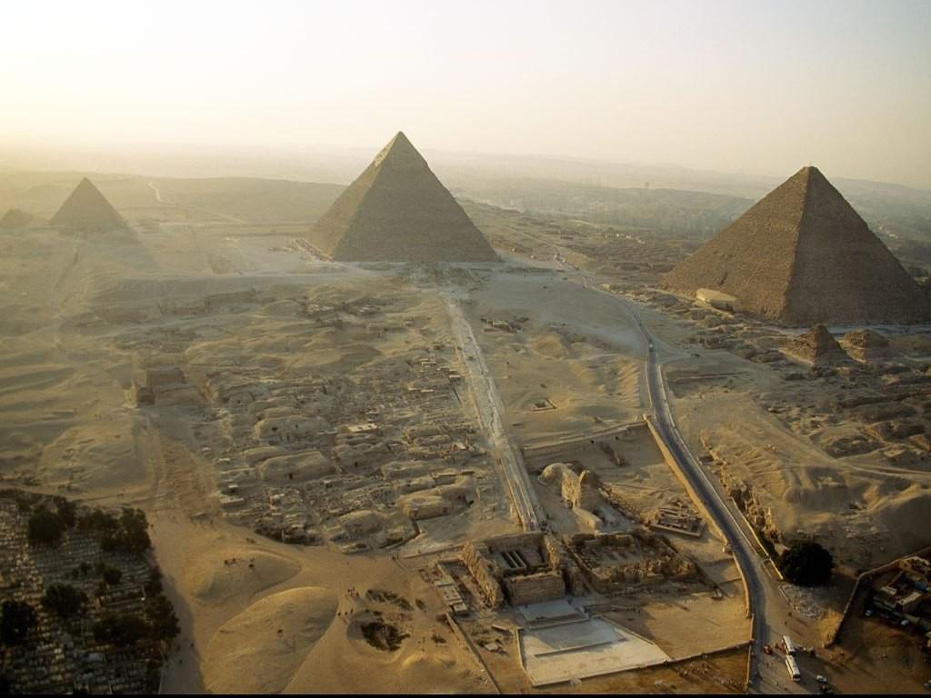 http://directoriodenoticias.files.wordpress.com/2011/02/egipto.jpg